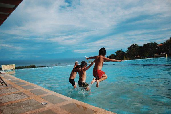 Un été à la piscine