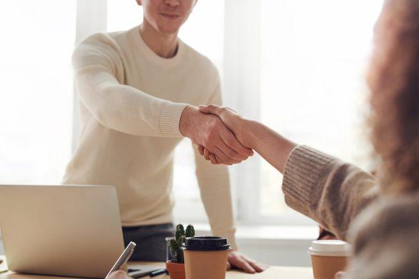 3 looks pour un entretien d'embauche selon le type d'entreprise